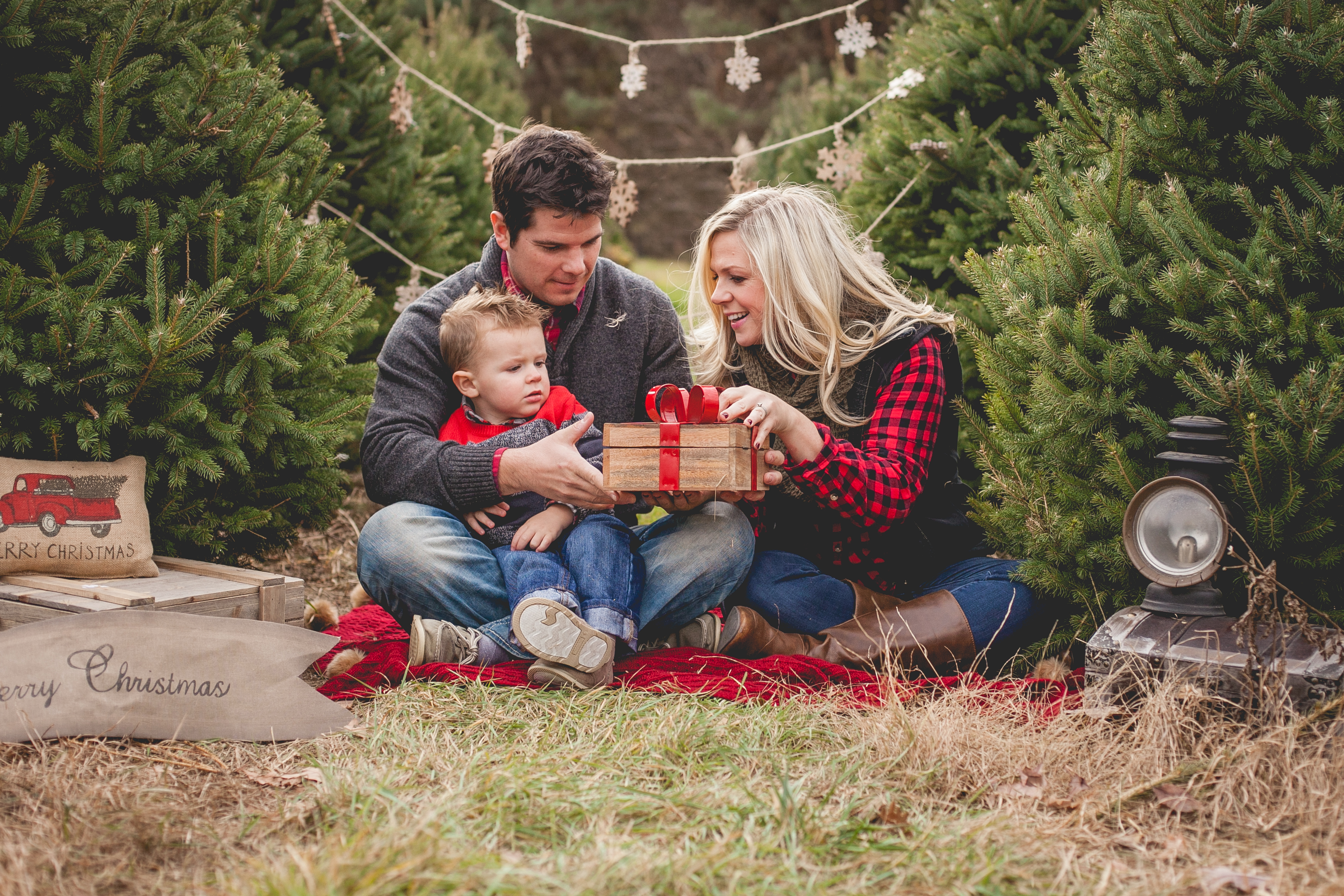 Christmas Mini Sessions.Natalie Baker Photography Columbus Ohio Photography